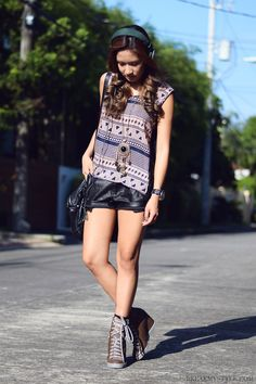 #necklace#print#leather#shorts