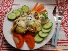 Zapečené brambory s mletým masem Dip, Eggs, Breakfast, Food, Breakfast Cafe, Gravy, Egg, Essen, Yemek