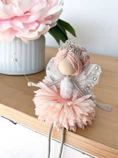Fairy Crafts, Doll Crafts, Crafts For Kids, Yarn Dolls, Fabric Dolls, Wire Flowers, Clothespin Dolls, Tiny Dolls, Flower Fairies