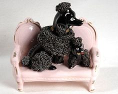 50's ENESCO JAPAN FIGURINE-SPAGHETTI POODLE MOM&PUPPY ON PINK FRENCH SETTEE