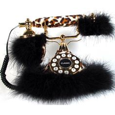 OMG, leopard furry phone...NEED!
