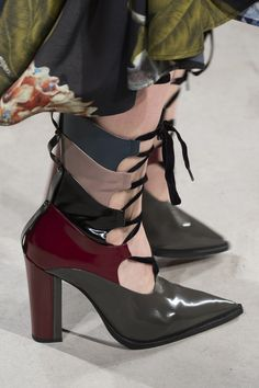 Antonio Marras at Milan Fashion Week Fall 2017 - Details Runway Photos Fashion Shoes, Milan Fashion, Style Fashion, Fashion Accessories, Bootie Boots, Shoe Boots, Trendy Womens Shoes, High End Shoes, Shoes 2017