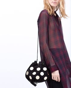 Image 3 of METAL DETAIL LEATHER MINI BUCKET BAG from Zara