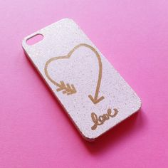 In this article we present you ten ideas on how to decorate a phone case, making it so unique, just the way you want it. There is something from everything - below you will find the good old washi tape doing its magic again, or the watercolors making your phone case a little piece of art, or even the nail polish to help you make the cutest polka dots. So, check them out, get inspired and start decorating your phone case! #diy