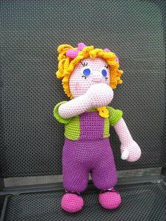 Pop Lieve met speen en knuffel ze kan ook nog duimen{ Project Samen een pop haken in 6 dagen }   Benodigdheden: roze,wit,groen,geel.licht...