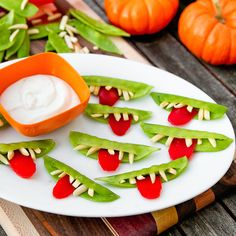 This healthy Halloween snack is both cute + spooky.