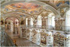 Grootste kloosterbibliotheek ter wereld – Admont in Oostenrijk. Ik wil dit weleens zien!