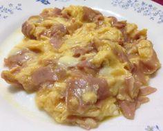 Domingo de #revuelto de #huevo con #jamón de #pavo y #queso ...