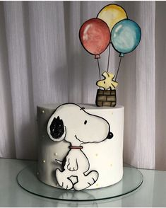 Bolo Snoopy, Snoopy Cake, Snoopy Birthday, Snoopy Party, Pretty Cakes, Cute Cakes, Best Birthday Cake Designs, Doodle Cake, Candy Birthday Cakes