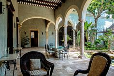 Beautiful home for sale in Merida centro, highlighted in a New York Times article...  http://www.nytimes.com/2014/08/14/greathomesanddestinations/real-estate-in-mexico.html