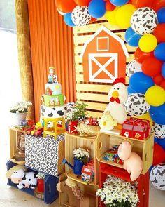 Geniales ideas para cumpleaños de granja | Tarjetas Imprimibles Farm Animal Birthday, Cowboy Birthday, Farm Birthday, Boy Birthday Parties, Farm Themed Party, Barnyard Party, Farm Party Decorations, Barn Parties, First Birthdays