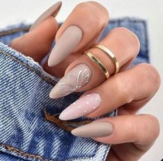 Trendy Nails Matte Grey Ideas for Fall 2019 - Trendy Nails Matte Grey Ideas for Fall 2019 The gray matte nail color is very beautiful and can give a high-quality texture, suitable for a variety of skin colors. Grey Matte Nails, Matte Nail Colors, Gray Nail Art, Matte Almond Nails, Fall Almond Nails, Matte Nail Art, Trendy Nails, Cute Nails, Manicure Gel