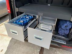 MICA Camperbox met zit, keuken en bed module! - 3DotZero Automotive BV Volkswagen Caddy, Berlingo Camper, Kangoo Camper, Mini Camper, Van Camping, Extra Storage Space, Kitchen Units, Stainless Steel Sinks, Outdoor Life
