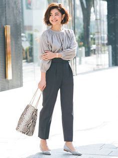 Summer Work Outfits, Office Outfits, Summer Wardrobe, Simple Style, My Style, Office Fashion, Work Attire, Comfortable Outfits, Fashion Pants