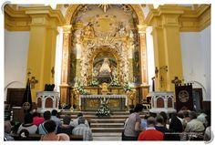 El retablo y el camarín fueron trazados y realizados por el escultor Manuel González Ligero. Su interior, el exterior (símbolo de Motril) y el entorno, le convierten en visita obligada para cualquier visitante.