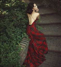 I have been in love with this dress by Michael Kaye since he first revealed it. ::sigh::  Capitol File Magazine