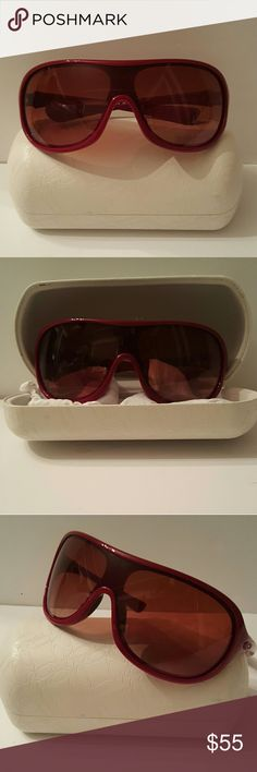 Oakley Sunglasses Really nice pair of reddish wine colored Oakley sunglasses. With box and cloth, excellent condition very stylish pretty awesome sunglasses. Please message me with any questions thanks for stopping by Oakley Accessories Sunglasses
