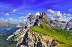 Cadeia de montanhas Puez Odle, nos Dolomitas
