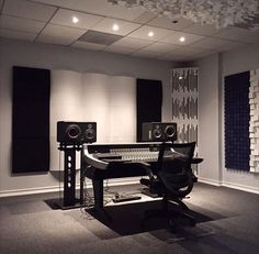 Recording Studio Home, Home Studio, Cheet Sheet, Studio Build, Studio Furniture, Studio Design, Electronic Music, Garage, Design Ideas