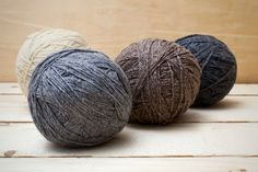 Dryer Balls are an inexpensive and non-toxic alternative to dryer sheets. Find out how they can help improve your laundry routine! How To Start Knitting, Knitting For Kids, Easy Knitting, Knitting For Beginners, Knitting Yarn, Knitting Projects, Yarn Images, Wool Dryer Balls, Love Your Home