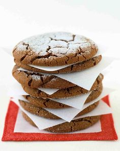 Giant Ginger Cookies - To preserve the appearance of the sugary tops, layer cookies between parchment or wax paper when packing them for school lunches or as gifts. Freezing the dough for 20 minutes makes it easier to work with. Spice Cookies, Fun Cookies, Cake Cookies, Christmas Cookies, Giant Cookies, Oatmeal Cookies, Christmas Candy, Christmas Treats, Holiday Baking