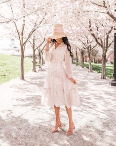 Rachel Parcell May Collection Launch. - Pink Peonies by Rach Parcell Cute Dresses, Beautiful Dresses, Summer Dresses, Spring Summer Fashion, Spring Outfits, Pretty Outfits, Cute Outfits, Dress Skirt, Dress Up