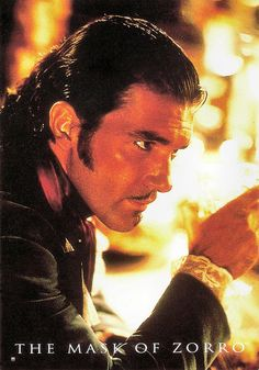 Antonio Banderas in The Mask of Zero (1998). French postcard by Sonis, no. C. 899. Photo: Zorro Productions / Tristar Pictures. Publicity still for <i>The Mask of Zorro</i> (Martin Campbell, 1998).
