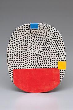Object of affection: Jun Kaneko plate - The Aesthetics of Joy Ceramic Clay, Ceramic Painting, Ceramic Plates, Ceramic Pottery, Pottery Art, Slab Pottery, Thrown Pottery, Pottery Wheel, Pottery Studio
