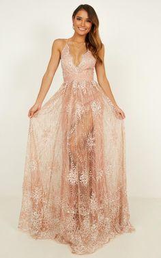 Ballkleid hochzeit Her Crystal Eyes Maxi Dress In Rose Gold Glitter Rose Gold Long Dress, Rose Gold Wedding Dress, Gold Wedding Gowns, Gold Prom Dresses, Glitter Wedding, Cute Dresses, Bridesmaid Dresses, Wedding Dresses, Gold Glitter