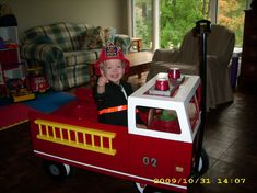 Firetruck wagon float - Every parade needs a fire truck! Wagon Halloween Costumes, Wagon Costume, Halloween 2015, Holidays Halloween, Toddler Halloween, Halloween Ideas, Lorax Costume, Wagon Floats, Toddler Boy Costumes