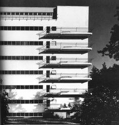 """""""Paimio Sanatorium"""" in Finland by Alvar Aalto Architecture Details, Landscape Architecture, Interior Architecture, Scandinavian Architecture, Scandinavian Design, Bauhaus, Helsinki, Le Corbusier, Hospital Design"""