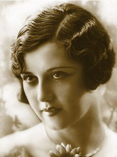 """Fingerwaves"" A Popular Hairstyles of the 1920s"