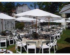 MONTAJE CON SOMBRILLAS / Iventt Claudia Ceballos / banquetes para boda