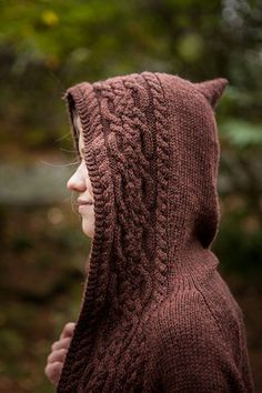 Lovely cable knitting on the outer edge of this sweater, but the point on the top of the hood needs to be smoothed out. Cable Knitting, Sweater Knitting Patterns, Knitting Stitches, Knit Patterns, Hand Knitting, Stitch Patterns, Yarn Projects, Knitting Projects, How To Purl Knit