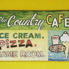 #countrycafe #pizza #gameroom #icecream #vintagesign #signage #eleuthera #convenience #typography #handpainted