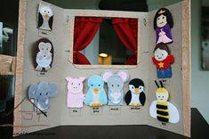Bu sayfada farklı kaynaklardan derlenmiş el yapımı tiyatro kukla sahnesi örnekleri yer almaktadır. Kuklalar özellikle okul öncesi eğitimde pek çok farklı amaçla ve yaygın bir şekilde kullanılmaktadır.Peki kuklanın çocuk gelişimine olan katkıları nelerdir? Kuklalarla oyun çocukların hayal gücünü, yeteneklerini ve yaratıcı düşünmeyi geliştirir. Çocuklara sunulan farklı kukla karakterleri onların hayal dünyalarının kapılarını aralamaya yardım eder. Çocuklar kuklaları oynatırken dili etkin bir…
