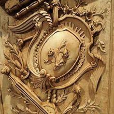 『AHMAD ALHAJ IBRAHIM』 (@ahmad_alhaj_ibrahim) • Instagram photos and videos Craft Wood Pieces, Louis Xvi, Wood Sculpture, Wood Crafts, Carving, Photo And Video, Architecture, Antiques, Cnc