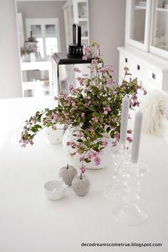 Neues Grün auf dem Tisch... Zeit für Knallerbsen:-)           ..am liebsten in den schönen zarten Rosa Farbton.      ...etwas Kontra...