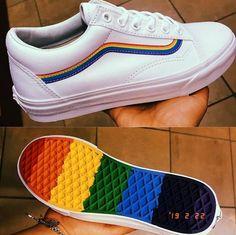 promo code c8aaa 845c0 Rainbow Vans 🌈  streetyvans Scarpe Arcobaleno, Scarpe Da Ginnastica  Arcobaleno, Abiti Arcobaleno,