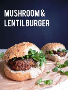 Mushroom Lentil Burgers- portobello, onion, garlic, egg, steel cut oats... Lentil Burgers, Vegan Burgers, Turkey Burgers, Portobello, Vegetarian Recipes, Cooking Recipes, Healthy Recipes, Vegetarian Barbecue, Vegetarian Cooking