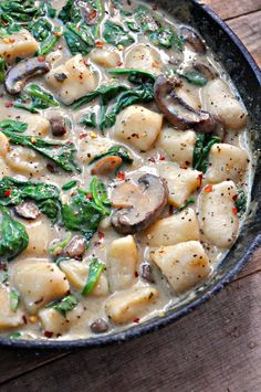 Super simple vegan gnocchi with a creamy mushroom and spinach Florentine sauce. Vegan gnocchi mushroom Florentine is the best way to eat your carbs.