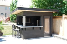 backyard bar ideas \ backyard bar - backyard bar ideas - backyard bar diy - backyard bar ideas on a budget - backyard barbeque design - backyard barbeque party - backyard bar shed - backyard barbeque Outdoor Garden Bar, Garden Bar Shed, Diy Outdoor Bar, Outdoor Kitchen Bars, Backyard Kitchen, Outdoor Kitchen Design, Small Outdoor Kitchens, Backyard Barbeque, Pool House Shed