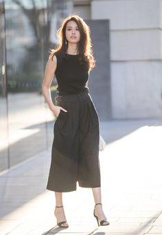 UV Cut Sleeveless Sweater and Oxford Wide Leg Pants UNIQLO | Styling Book