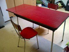Vintage eettafel uitschuifbaar met 2 bijpassende stoelen - Prijs: Bieden