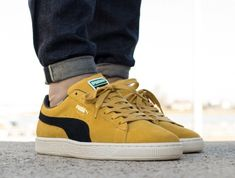 PUMA SUEDE CLASSIC ARCHIVE MINERAL YELLOW   PUMA BLACK SNEAKERS IN ALL  SIZES  PUMA  RunningShoes 2761169d2