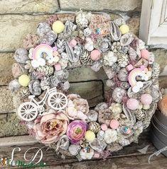 Tavaszi-nyári ajtódísz (Vintagedekor) - Meska.hu Summer Crafts, Diy And Crafts, Polymer Clay Flowers, Craft Corner, Baby Cards, Flower Crafts, Floral Wreath, Xmas, Spring
