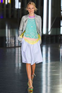Jonathan Saunders Spring 2012 RTW. Pastel perfection.    ** I like the idea, but not this exact outfit.