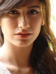 mobile wallpapers of Syra Yousuf-3