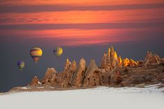 With tours to Cappadocia from Istanbul, see unique and beautiful landscapes of Cappadocia and visit underground cities, and have a hot air balloon tour to see from sky#tourist #turkey#traveling #instatravel #holidaystoturkey #travelingram #tourism #trip #igtravel #mytravelgram #culture #visiting #travel #vacation #instapassport #fun #travelling #holiday #photooftheday #cappadocia #airballoons #hotairballoons