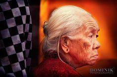 elderly lady during a Balinese temple ceremony. . . . . . #bali #traveling #travelphotography #instatravel #travelblog #travelblogger #travelphotography #wanderlust #welltraveled #traveller #nomad #destinationed #travell.ers #balidominik #natgeo #natgeoadventure #wanderlustofasia #instatravel #instagood #asianculture #wewanderasia #explorebali #balidaily #fascinatingbali #melasti #galungan